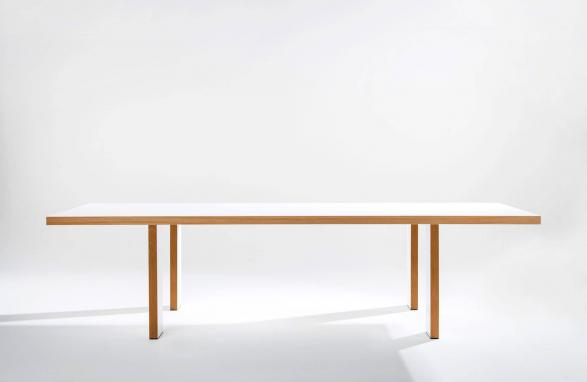 table Marie Therese white and wood front view