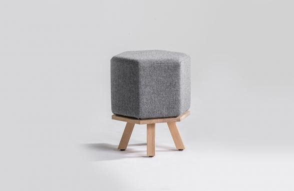 Pouf Hex gray with wood table legs