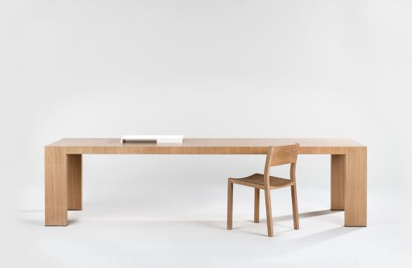 table johanna wood with chair front view