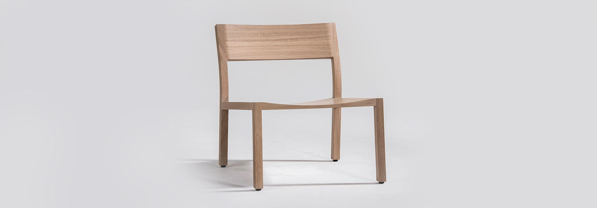 Easy Chair Alfons hout vooraanzicht