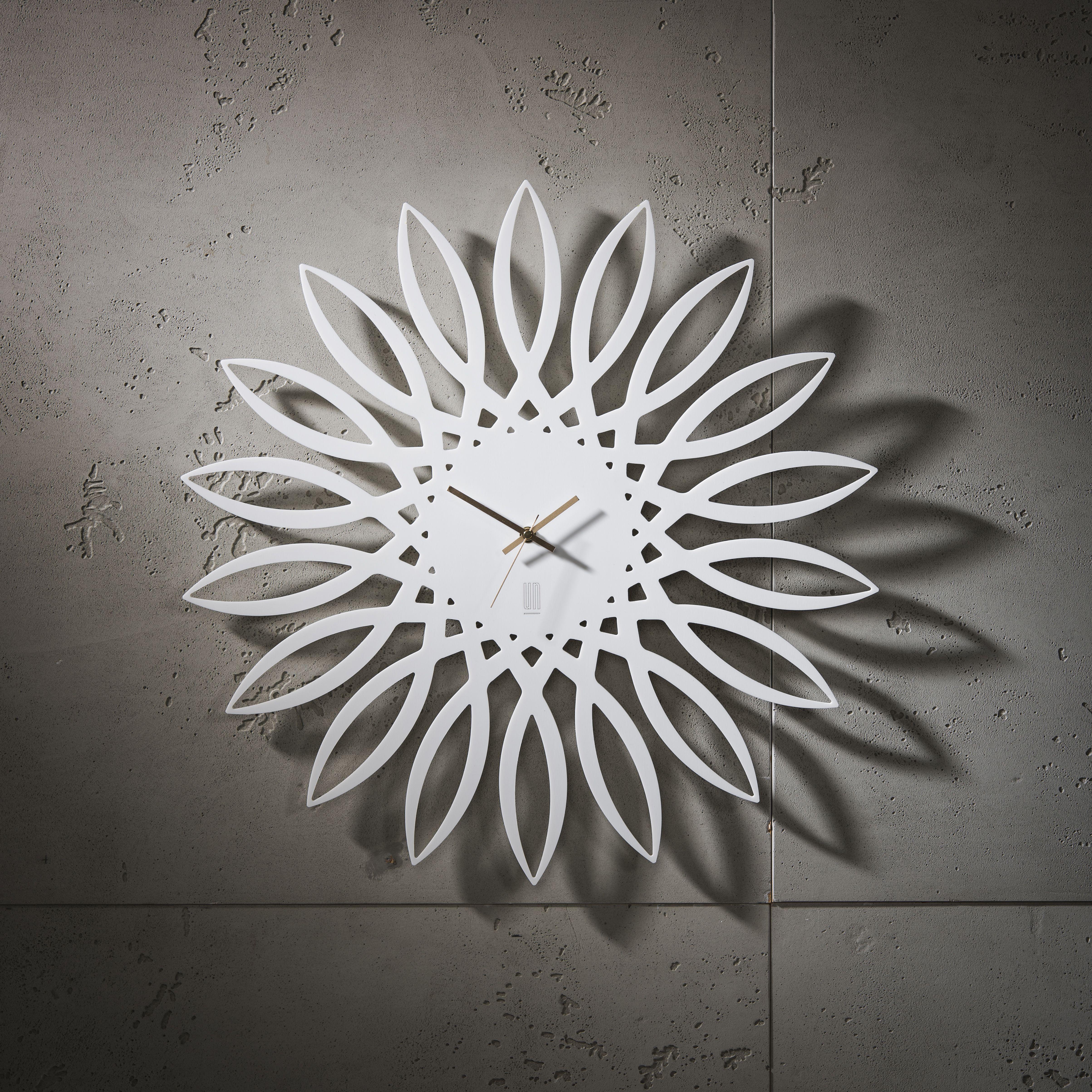 Minimalistic Wall Clock Wall Clock Fleur Younic